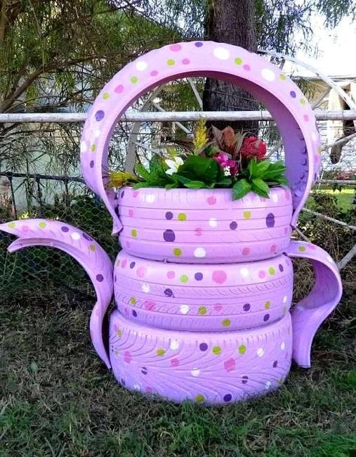 цветник чайник из покрышек