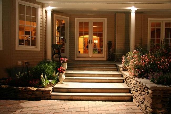 освещение крыльца частного дома