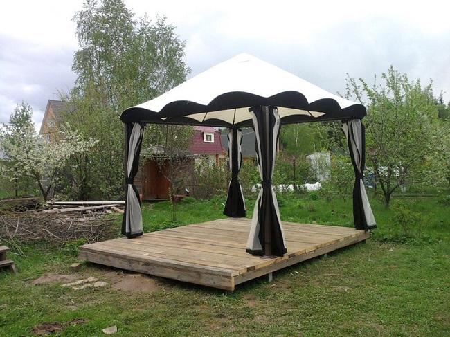 шатер на поддонах