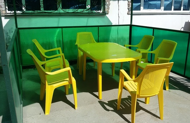 пластиковая мебель в беседку
