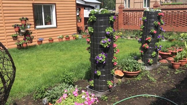 вертикальные клумбы на садовом участке
