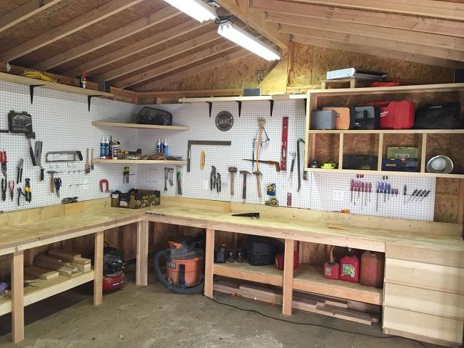 мавстерская в гараже с хозблоком