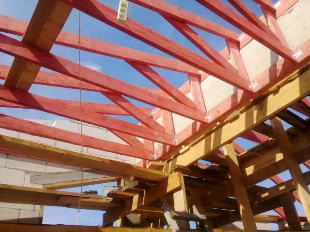 монтаж стропильной системы крыши гаража из дерева