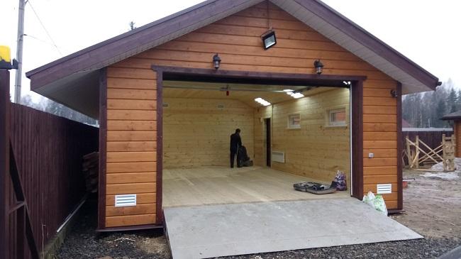 каркасный гараж обшитый металлосайдингом