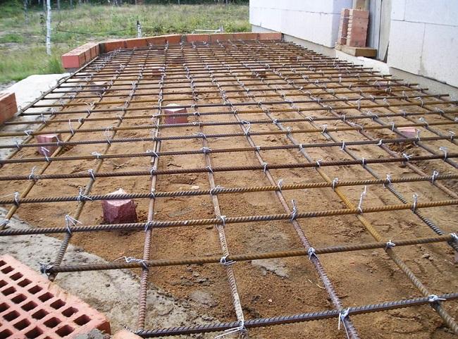 фундамент плита под террасу