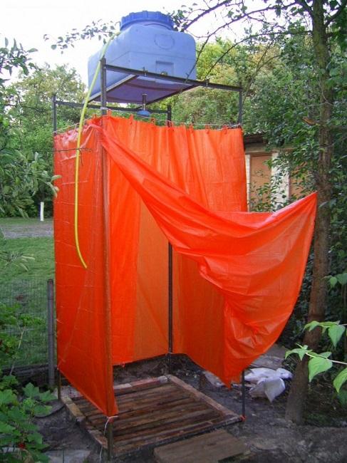 простейший летний душ с ширмой