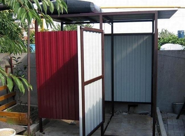 летний душ для дачи из профлиста и металлопрофиля