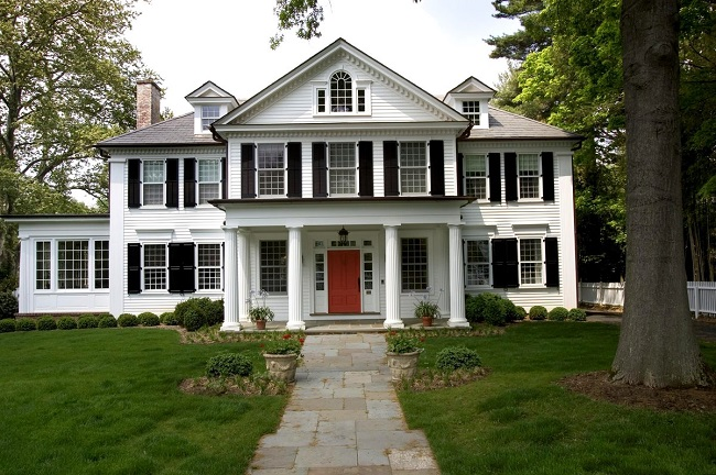 Дом в американском колониальном стиле