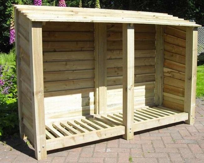 деревянный дровяник из дерева