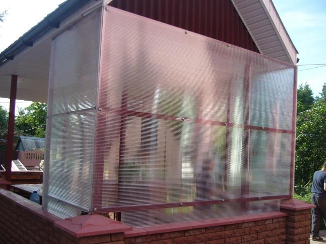 окна из поликарбоната для беседок