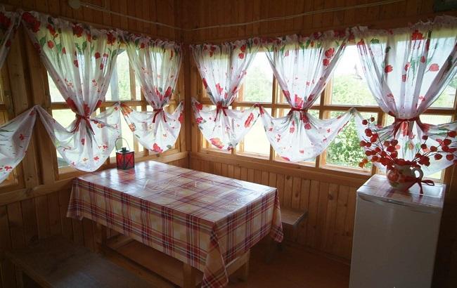 шторы на веранду на даче в деревенском стиле