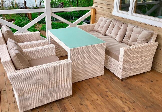 плетенная мебель на веранду