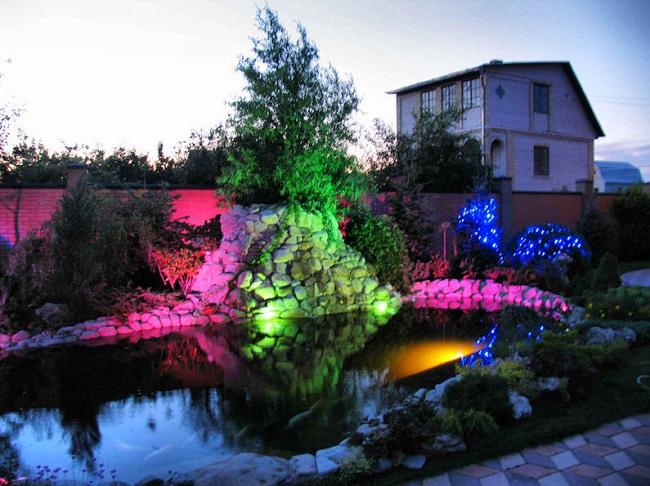подсветка водоема на участке