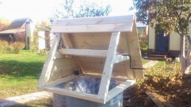 домик для колодца с воротом своими руками