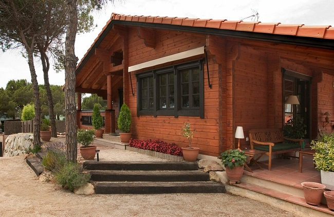 красивый одноэтажный дом шале