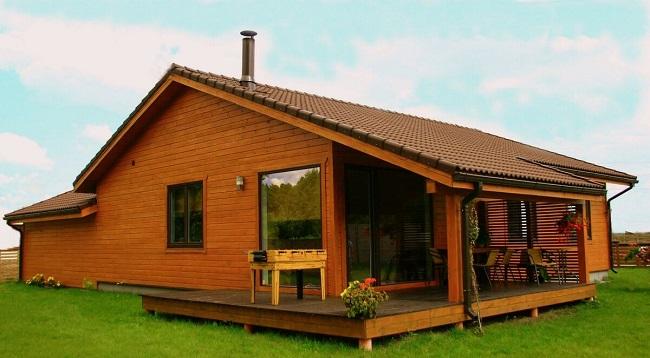 дом из дерева одноэтажный с террасой