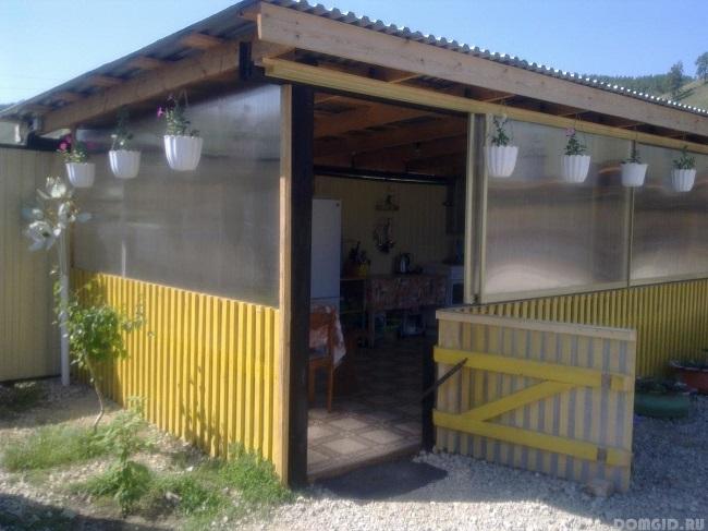 летняя кухня в виде веранды