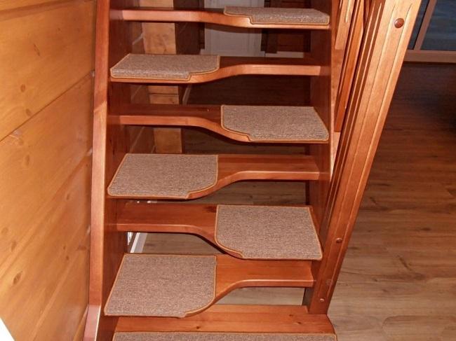 лестница «гусиный шаг» в частный дом