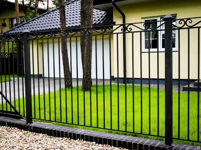 секционный забор сварной для частного дома