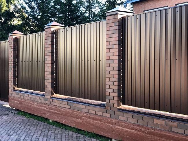 красивый забор для частного дома
