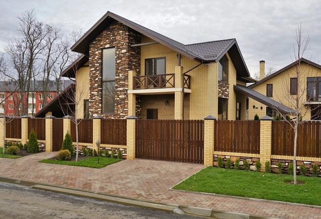 дизайн дома с забором