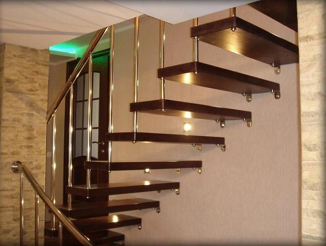 металлическая лестница на больцах на второй этаж