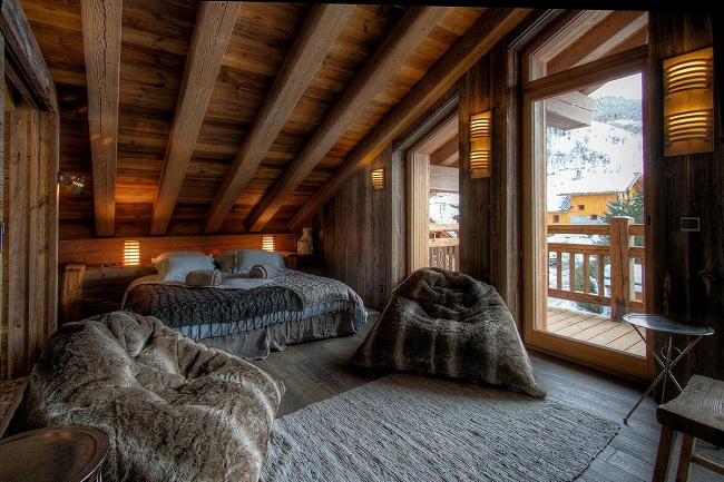 интерьер спальни шале