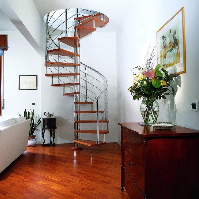 винтовые лестницы для частного дома на второй этаж