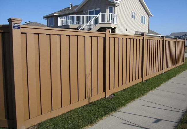 забор из пвх секционный для частного дома