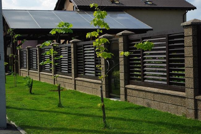 забор жалюзи для частного дома