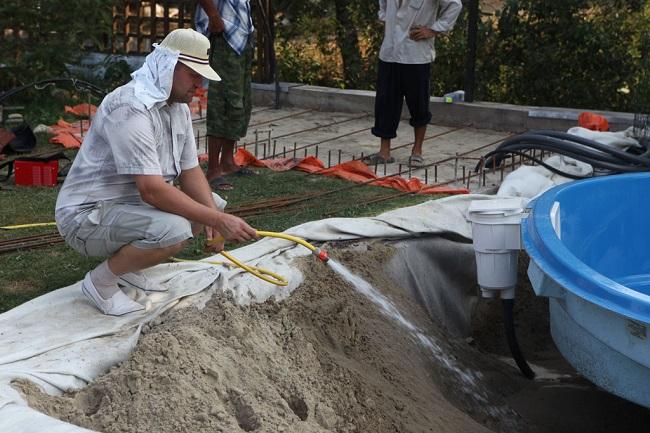замывка песка с одновременным наполнением чаши водой