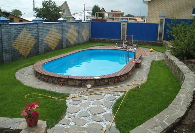 место для бассейна на участке