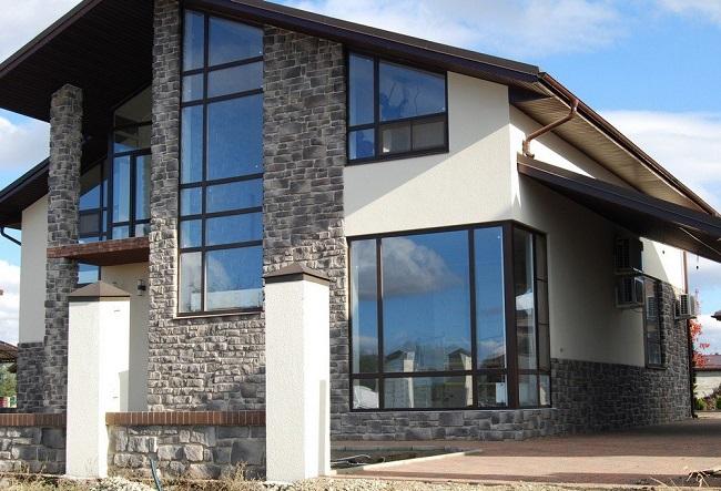 отделка фасад дома искусственным камнем