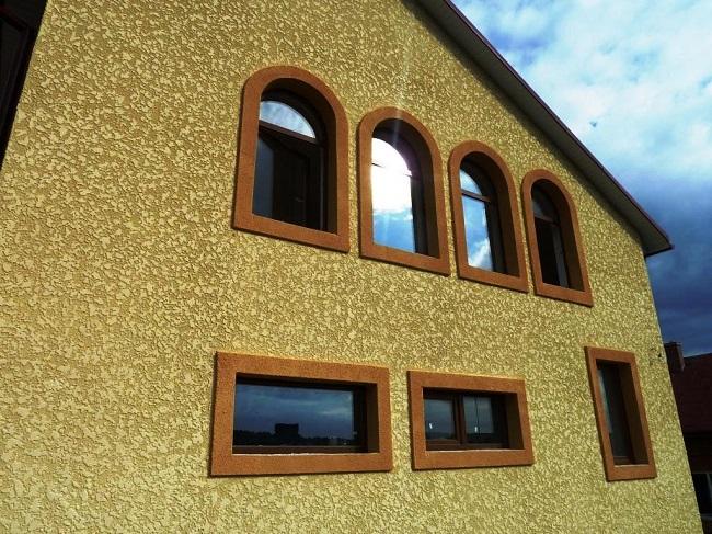 фасад дома короедом