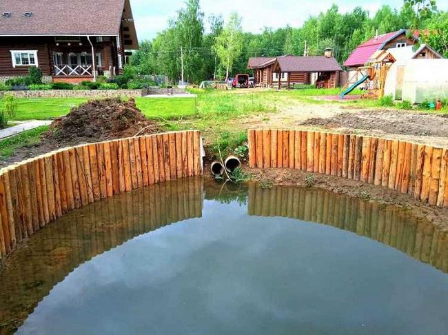искусственный водоем для отвода дренажа