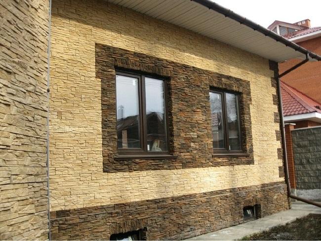 дом обложенный декоративным камнем