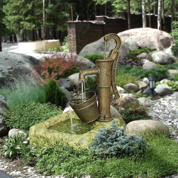 фонтан колонка с ведром