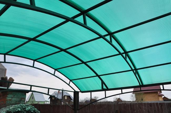 поликарбонат для крыши навеса дома