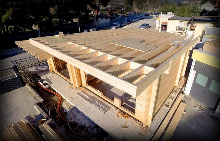 плоская крыша дома из бруса