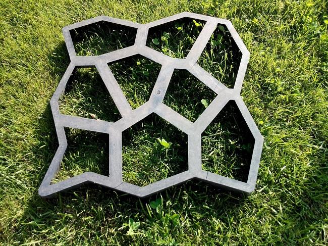 пластиковая форма для дорожек