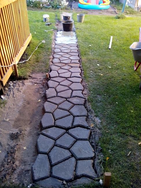формовая дорожка из бетона на дачу своими руками