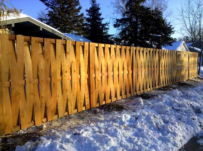 вертикальный плетеный забор