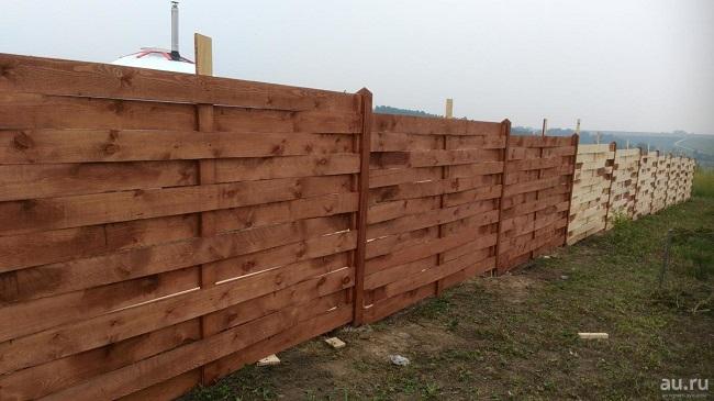 забор плетеный из обрезной доски