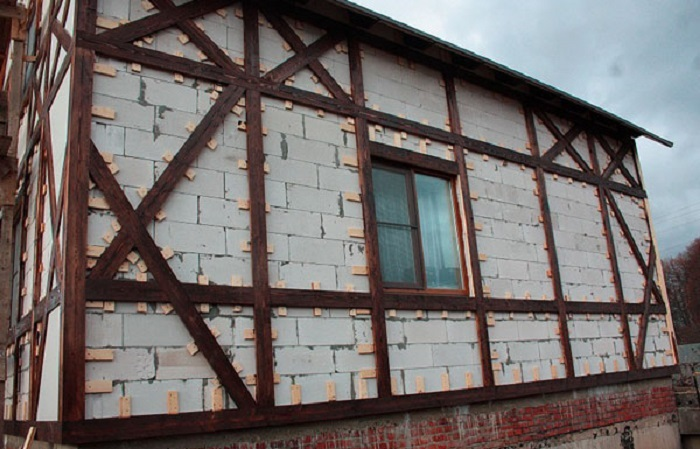 отделка фасада досками в стиле фахверк