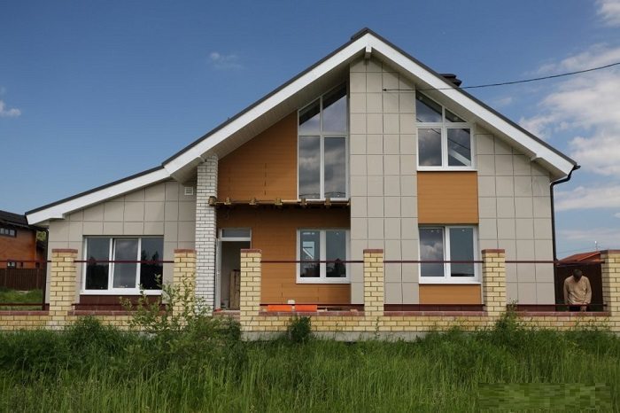 Дом из газобетона вентилируемый фасад