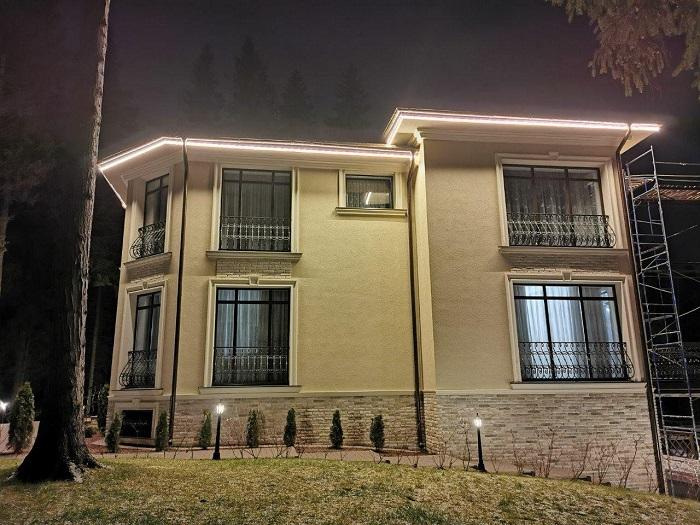контурное освещение фасада частного дома