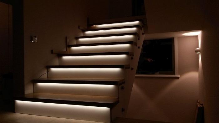 светодиодная подсветка лестниц