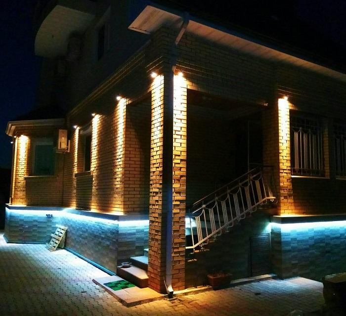 подсветка фасада спотами