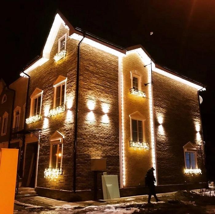 избыток освещенности фасада частного дома