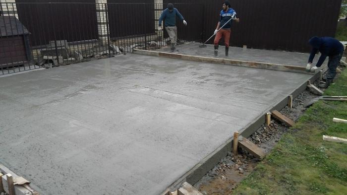 заливка бетона под плиту